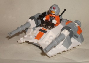 LEGO Star Wars Microfighters Snowspeeder 1